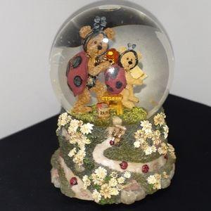 Boyds Bears Tweedle Bedeedle w/ Leedle Snow Globe